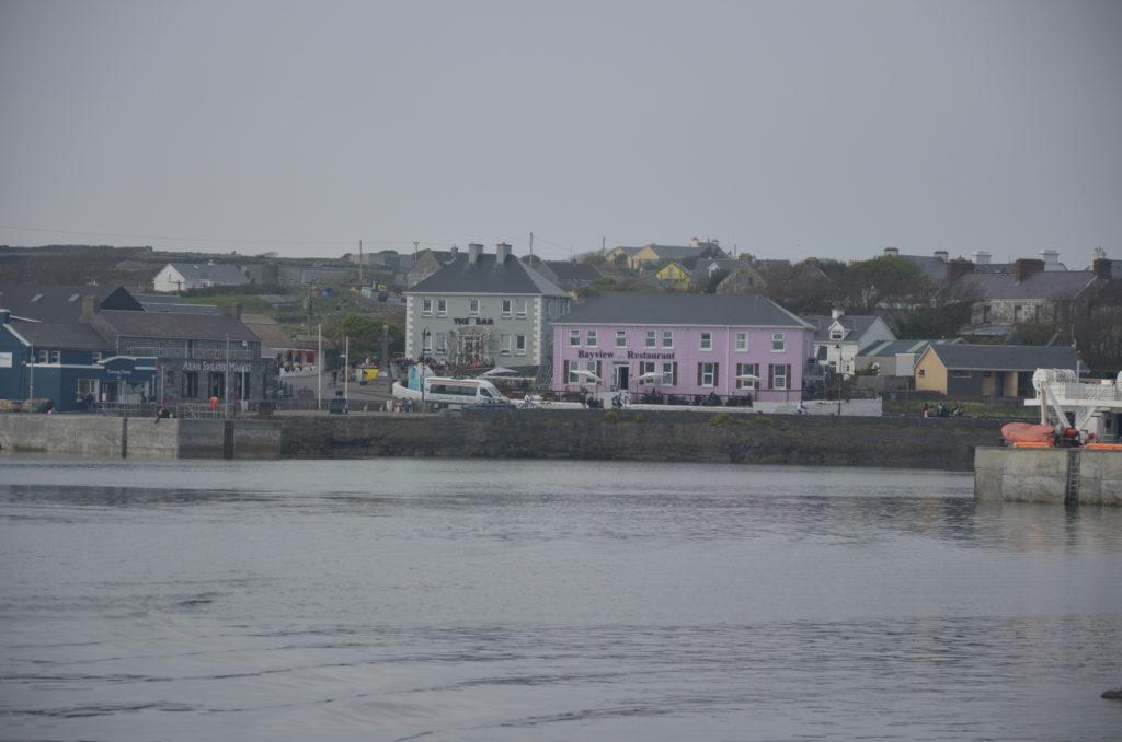 Port w Inishmore z promu
