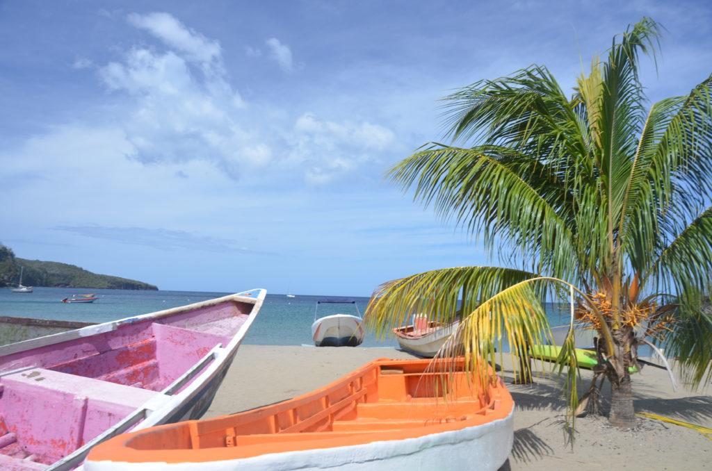 Łódki rybackie w Anse La Raye