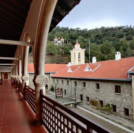 Klasztor Kykkos w górach Troodos