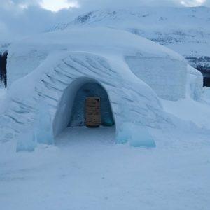Odwiedziłam hotel zbudowany w całości ze śniegu i lodu