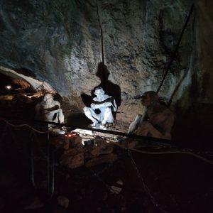 W jaskini Baczo Kiro odnaleziono najstarsze ślady obecności człowieka